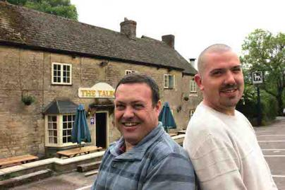 Tony Vine and Ross Brazel at The Talbot, EynshamLR.jpg