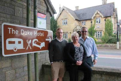 Sean, Gail & Steve Carroll at The Duke, Hilmarton lr.jpg