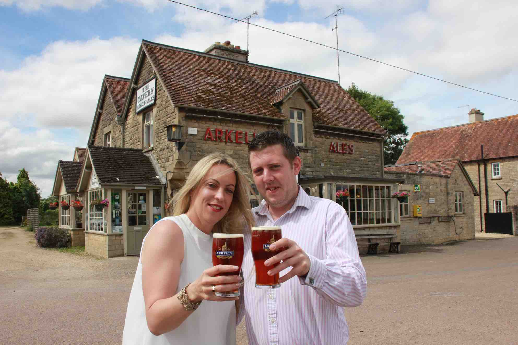 Tracy Lovesey & Dan Weaver, The Tavern, Kemble2 LR.jpg